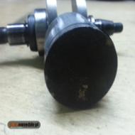 Czyszczenie tłoka i cylindra pilarki Stihl, usuwanie nagaru z tłoka. Na co zwrócić uwagę podczas rozbiórki silnika pilarki?